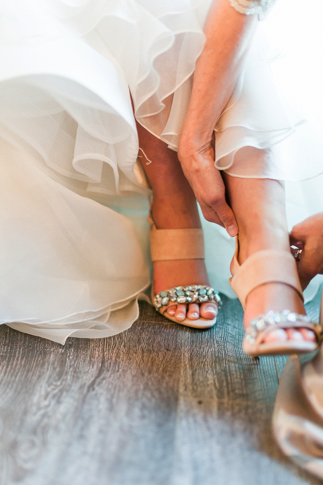How gorgeous are these wedding shoes?! We're in love!